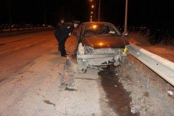 В Нижнем Тагиле Toyota Corolla влетела в ограждение. Водитель погиб
