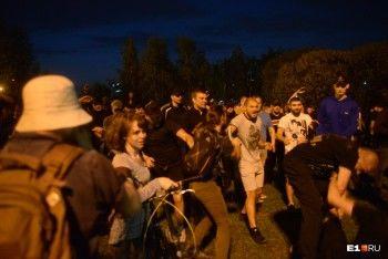 «Приехали помочь охране поднять забор»: боец MMA Иван Штырков прокомментировал штурм сквера в Екатеринбурге