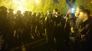 На акции протеста в Екатеринбурге официально задержано 33 человека. Правозащитники называют вдвое большее число задержанных