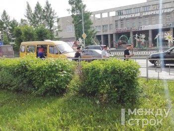 В Нижнем Тагиле маршрутка на пешеходном переходе сбила девочку