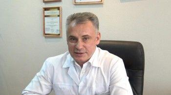 Сотрудники детской горбольницы вКаменске-Уральском попросили губернатора неувольнять главврача, обвиняемого вовзятке