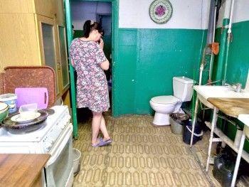 Жители общежития под Нижним Тагилом судятся из-за унитаза на кухне