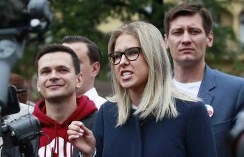 Задержанную на митинге в Москве Любовь Соболь выпустили из ОВД