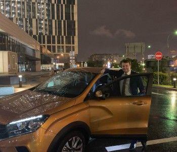«Чуть колесо не пробили»: министр экономического развития Орешкин добрался до Тольятти на Lada