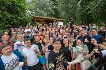 На «Чайных бегах» с участием певицы Ёлки благотворительный фонд «Живи, малыш» собрал более 120 тысяч рублей