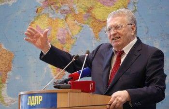 «Ельциным пахнет»: Жириновский призвал полностью поменять Конституцию