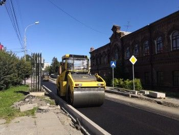 Из-за ремонтных работ в Нижнем Тагиле временно перекрыли улицу Уральскую