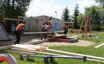 В рамках акции «Эстафета добрых дел» металлурги ЕВРАЗ НТМК отремонтировали детский сад в селе Новопаньшино