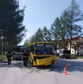 Вмассовом ДТП в Асбесте пострадали восемь человек