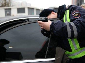 В Свердловской области будут аннулировать регистрацию тонированных машин