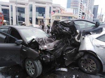 В центре Екатеринбурга в результате массового ДТП погибли два человека (ФОТО, ВИДЕО)