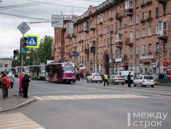 В центре Нижнего Тагила из-за 82-летней бабушки образовалась трамвайная пробка