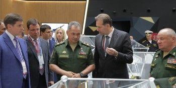 В Нижнем Тагиле министру обороны Сергею Шойгу показали робототехнические комплексы на базе танков Т-72