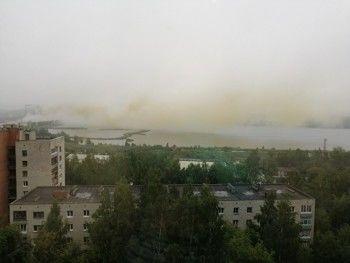 Новоуральск накрыло грязно-жёлтым дымом сместного завода