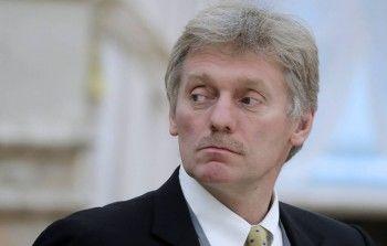 Песков: Пилотов, посадивших самолёт на поле в Подмосковье, представят к госнаградам
