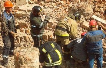 СК возбудил уголовное дело после гибели двух рабочих при обрушении стены дома вНовосибирске (ВИДЕО)