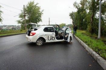 В Нижнем Тагиле неопытный водитель выехал на встречную полосу и столкнулся с такси, пострадал ребёнок (ФОТО)