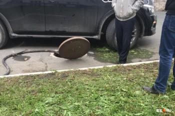 В Екатеринбурге возле главного корпуса УрФУ сбили рабочего