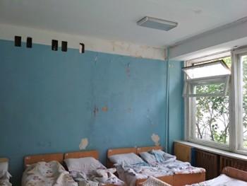 В Екатеринбурге родители пожаловались прокурору на ужасное состояние группы в детсаду № 511