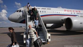 «Это не прерогатива главы государства». Песков объяснил, почему Путин не встречал освобождённых россиян в аэропорту