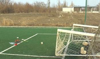 ВИвделе подростка насмерть задавило футбольными воротами
