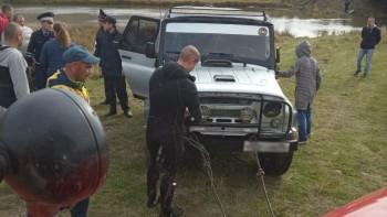 На Урале тагильчанин утонул при попытке пересечь реку на УАЗе