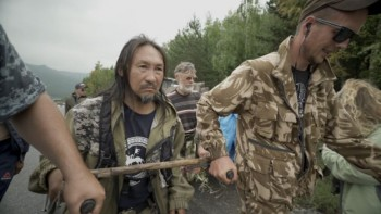 Шедшего в Москву «изгонять Путина» якутского шамана доставили впсихбольницу