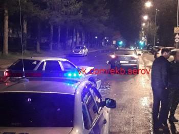 «Пассажир пробил лобовое стекло головой»: в Нижнем Тагиле пьяный водитель устроил ДТП на Вагонке