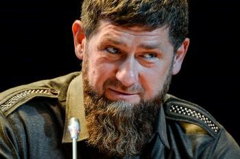 Кадыров призвал выявлять ижёстко наказывать заоскорбление чести винтернете (ВИДЕО)