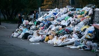 Медведев поручил разобраться с мусорным коллапсом в Бийске