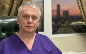 В Москве уволили уникального врача, который проводил трансплантацию почек грудным детям