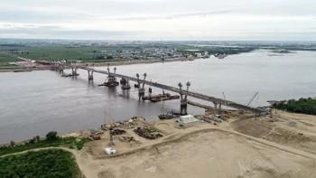 ВБлаговещенске завершили строительство первого автомобильного моста вКитай