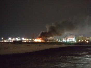 В Верхней Пышме произошёл сильный пожар рядом с заводом «Уралэлектромедь»