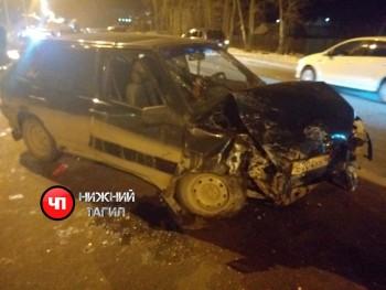 В Нижнем Тагиле на Вагонке иномарка протаранила ВАЗ