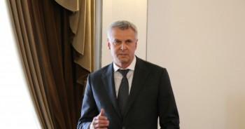 Магаданский избирком выпустил сборник сочинений про губернатора Сергея Носова
