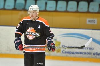 ХК «Спутник» потерпел первое поражение в чемпионате Свердловской области