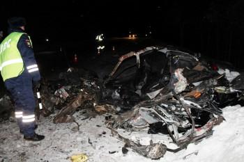 На Серовском тракте в ДТП с рейсовым автобусом погиб 21-летний водитель ВАЗа (ВИДЕО)