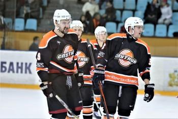 ХК «Спутник» заканчивает первый круг чемпионата Свердловской области на первом месте