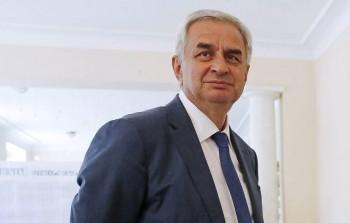 Президент Абхазии Рауль Хаджимба ушёл вотставку