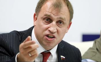 Депутат-единоросс предложил обязать домохозяек платить налог для самозанятых