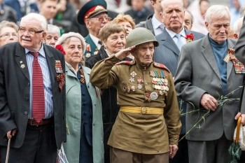 Ветеранам Великой Отечественной войны выплатят по 75 тысяч рублей к 75-летию Победы
