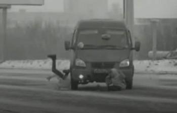 Появилась видеозапись ДТП, в котором «Газель» сбила двух школьниц на пешеходном переходе в Нижнем Тагиле