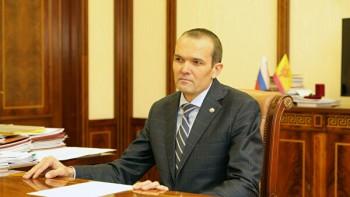 Главу Чувашии после скандала с сотрудниками МЧС исключили из «Единой России»