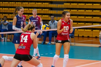 «Уралочка-НТМК» на домашней арене переиграла краснодарское «Динамо»