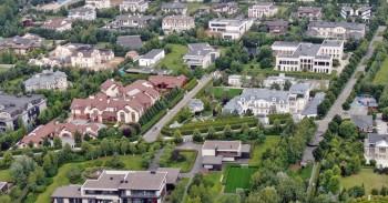 «Проект» оценил недвижимость связанных с властями людей на Рублёвке в 1,3 триллиона рублей