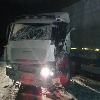 Под Екатеринбургом из-за уснувшего зарулём водителя столкнулись «Газель» ифура