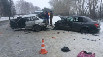 В Свердловской области в результате лобового ДТП погиб человек