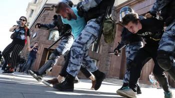 Росгвардия и МВД наказали сотрудников за превышение полномочий на митингах в Москве