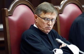 Судья Конституционного суда назвал СССР «незаконно созданным государством» и предложил не считать Россию правопреемницей советских репрессий