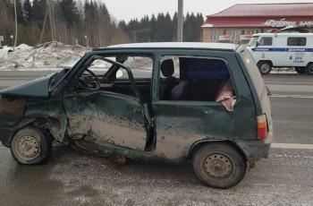 Под Нижним Тагилом в столкновении «Оки» с иномаркой пострадала двухлетняя девочка